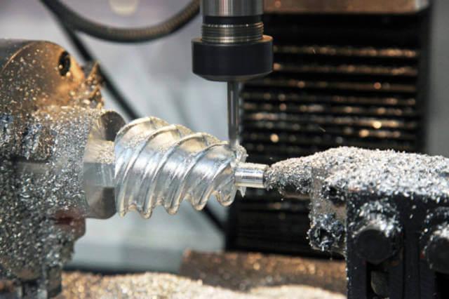 Maszyna wykorzystywana do obróbki metali CNC